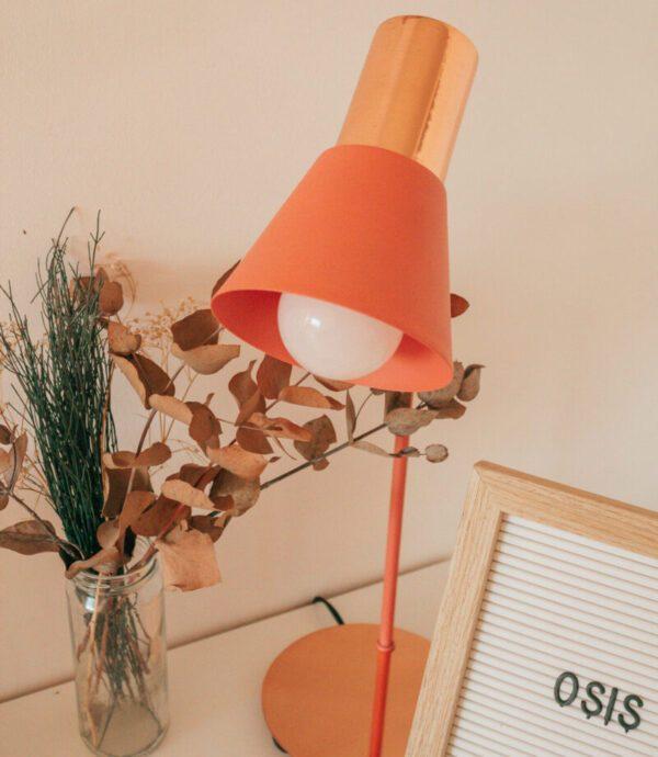 lampara de mesa ostende salmon y cobre